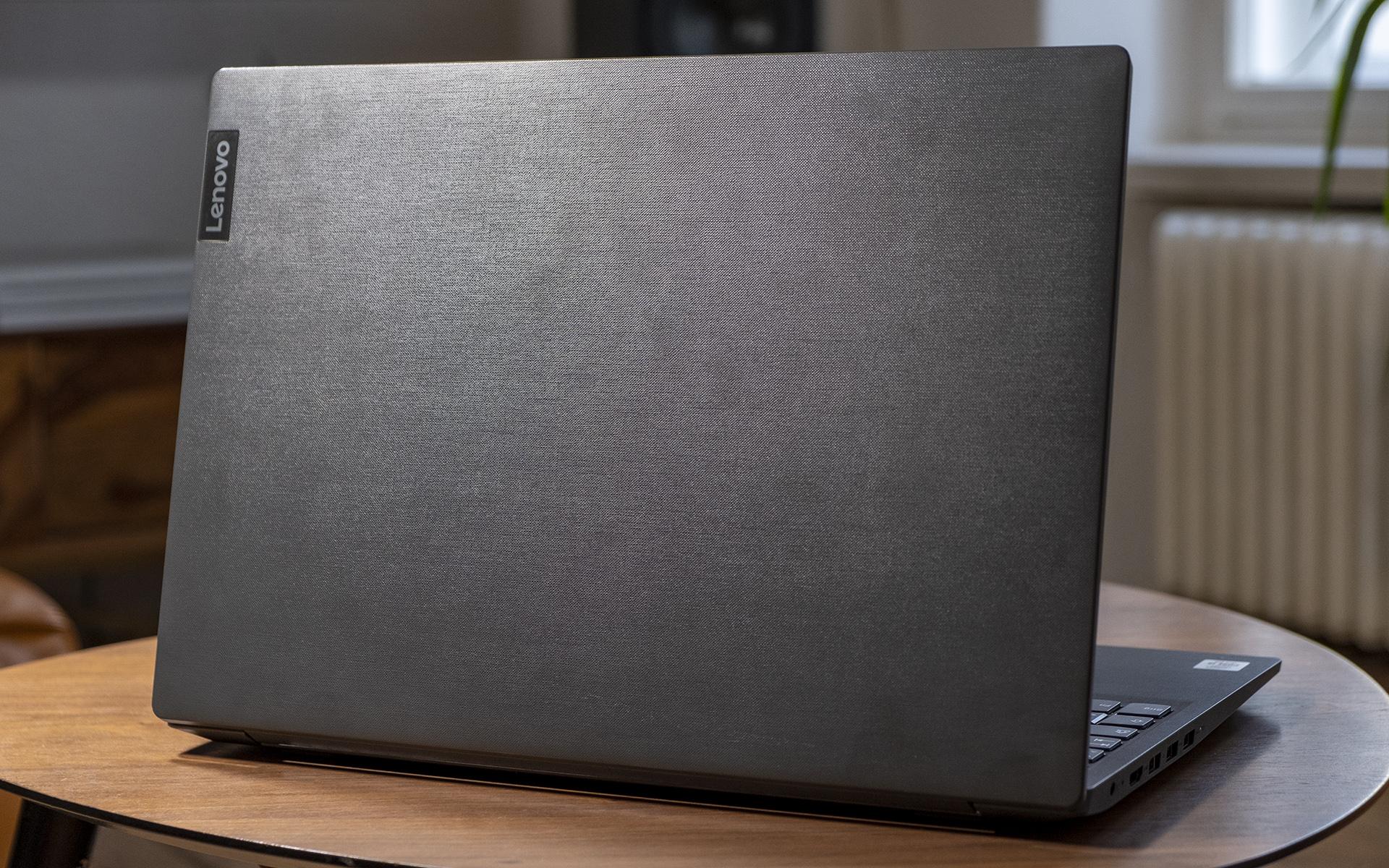 Lenovo V15-IIL Design Rückseite