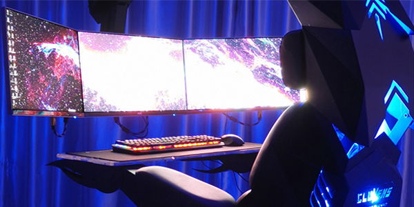 Cluvens Gaming Cockpit Transformierbarer Gaming Chair Mit Stachel