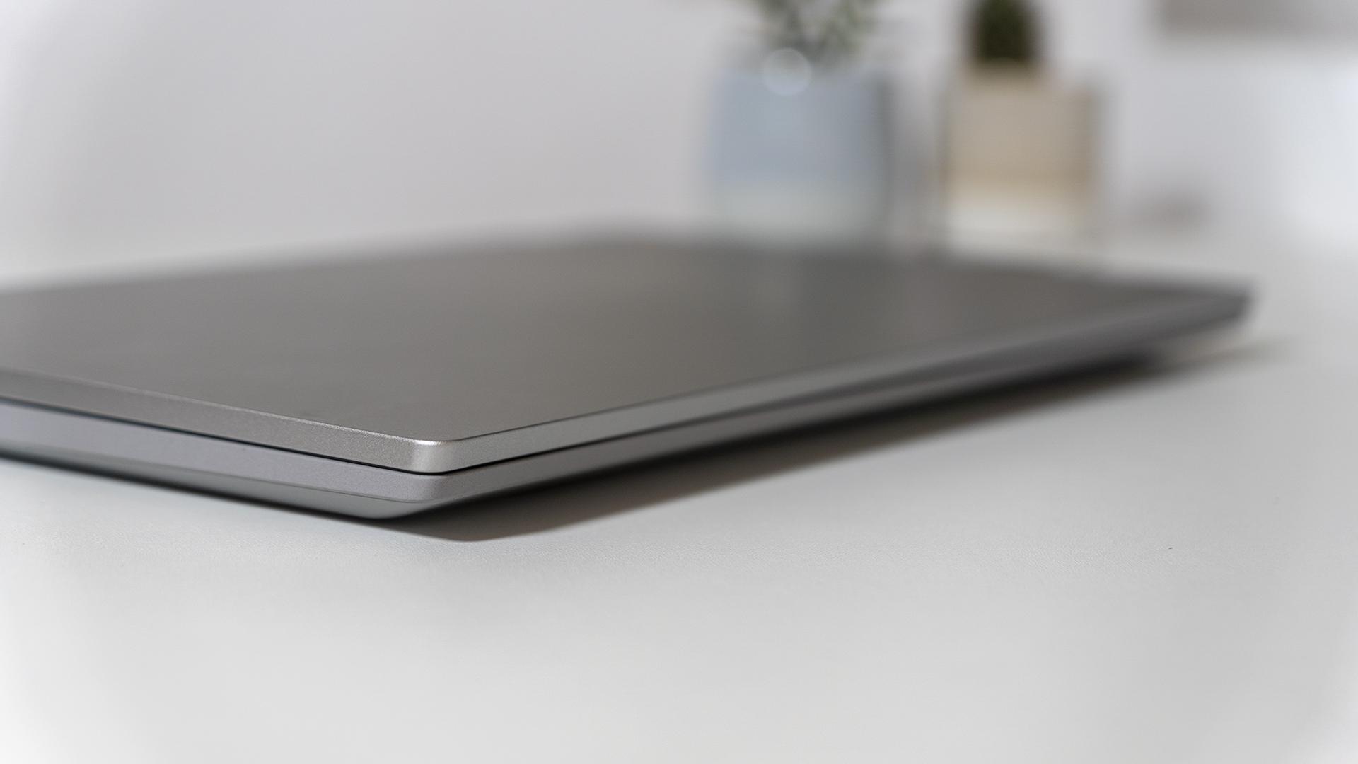 Lenovo IdeaPad Flex 5 Dicke zusammengeklappt