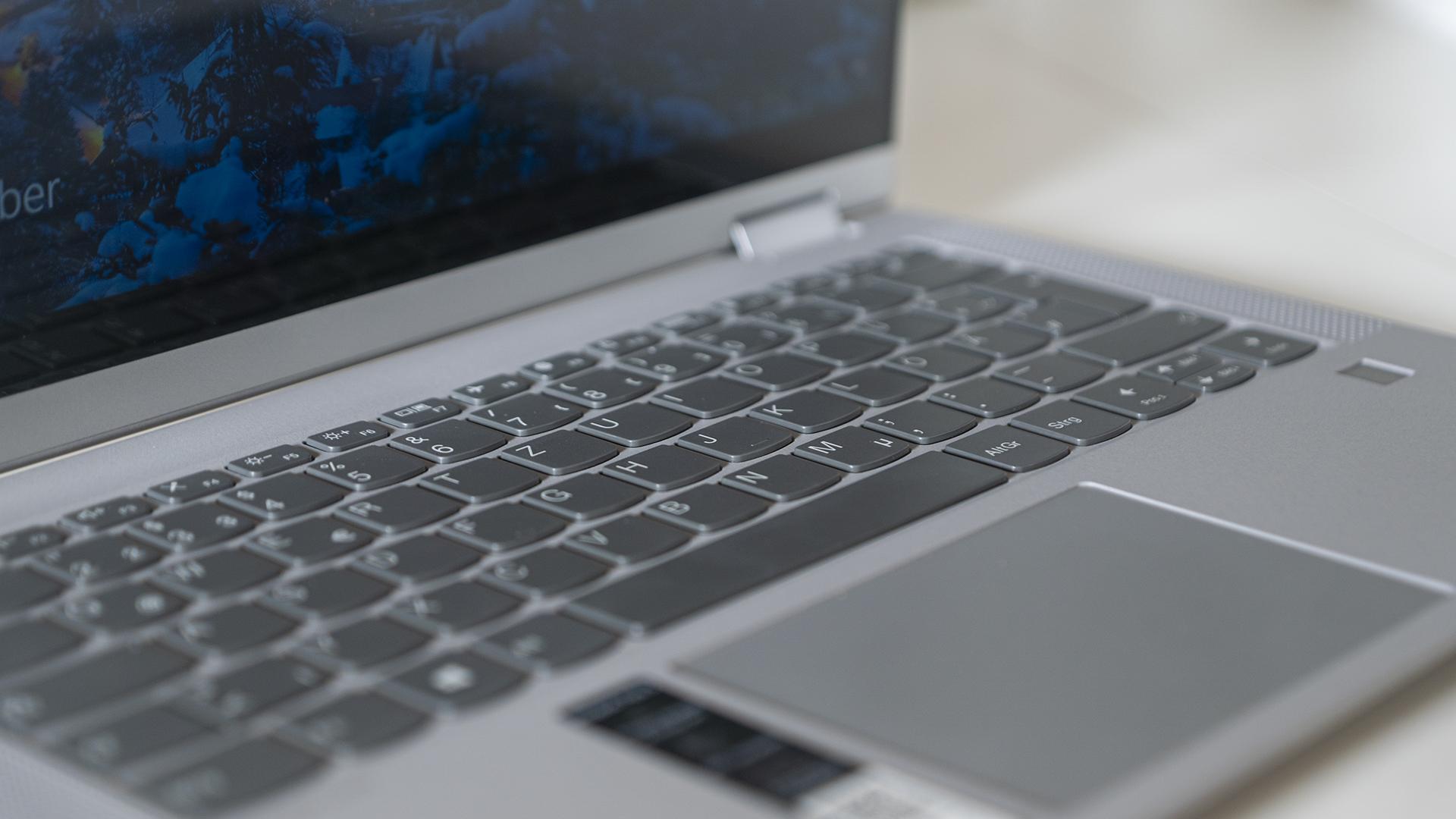 Lenovo IdeaPad Flex 5 Keyboard Tastatur Close Up