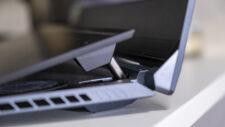 ASUS ROG Zepyhrus DUO 15 GX550 Lautsprecher unter Display Scharnier oben