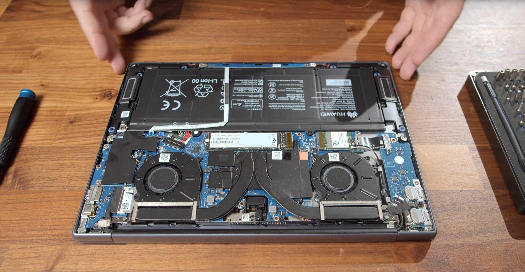 Huawei MateBook 14 AMD Ryzen 7 4800H Geöffnet