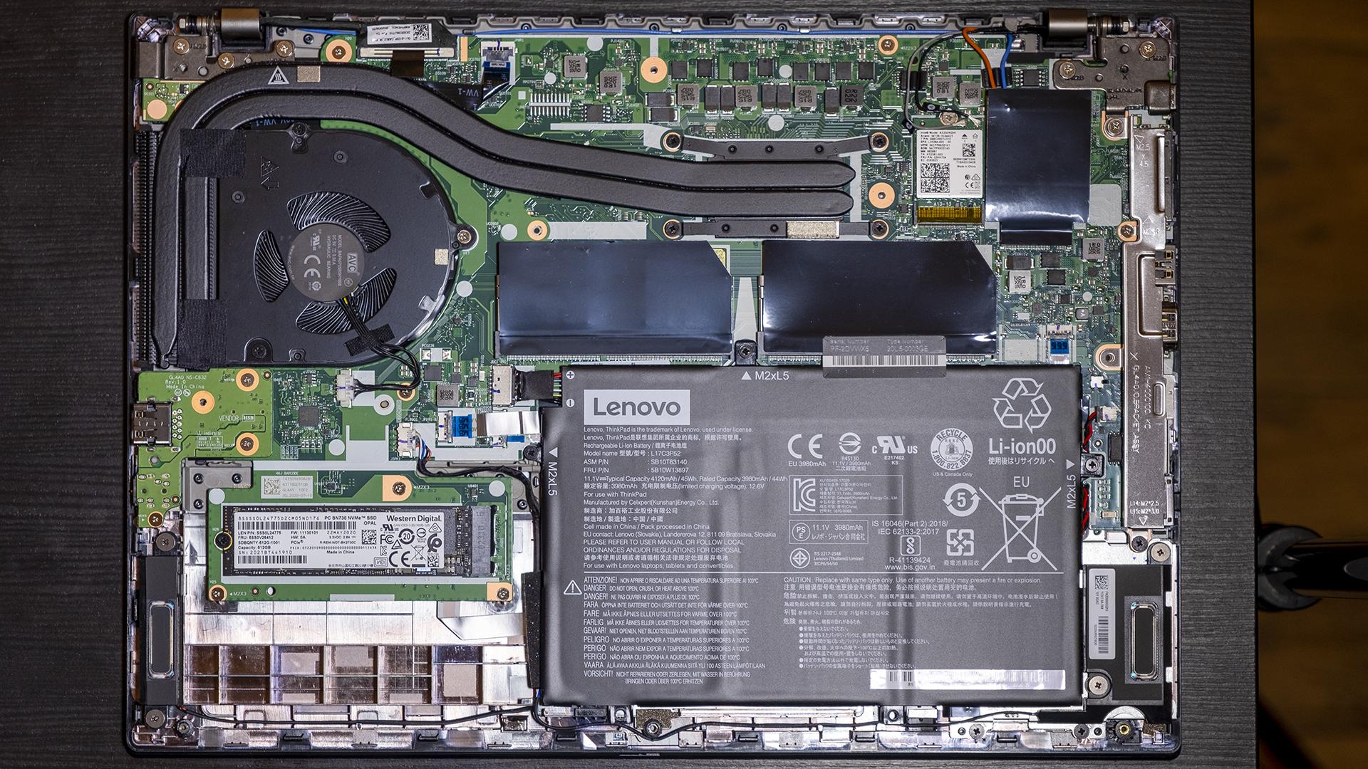 Lenovo ThinkPad L14 AMD Geöffnet Aufrüsten Upgrade RAM SSD