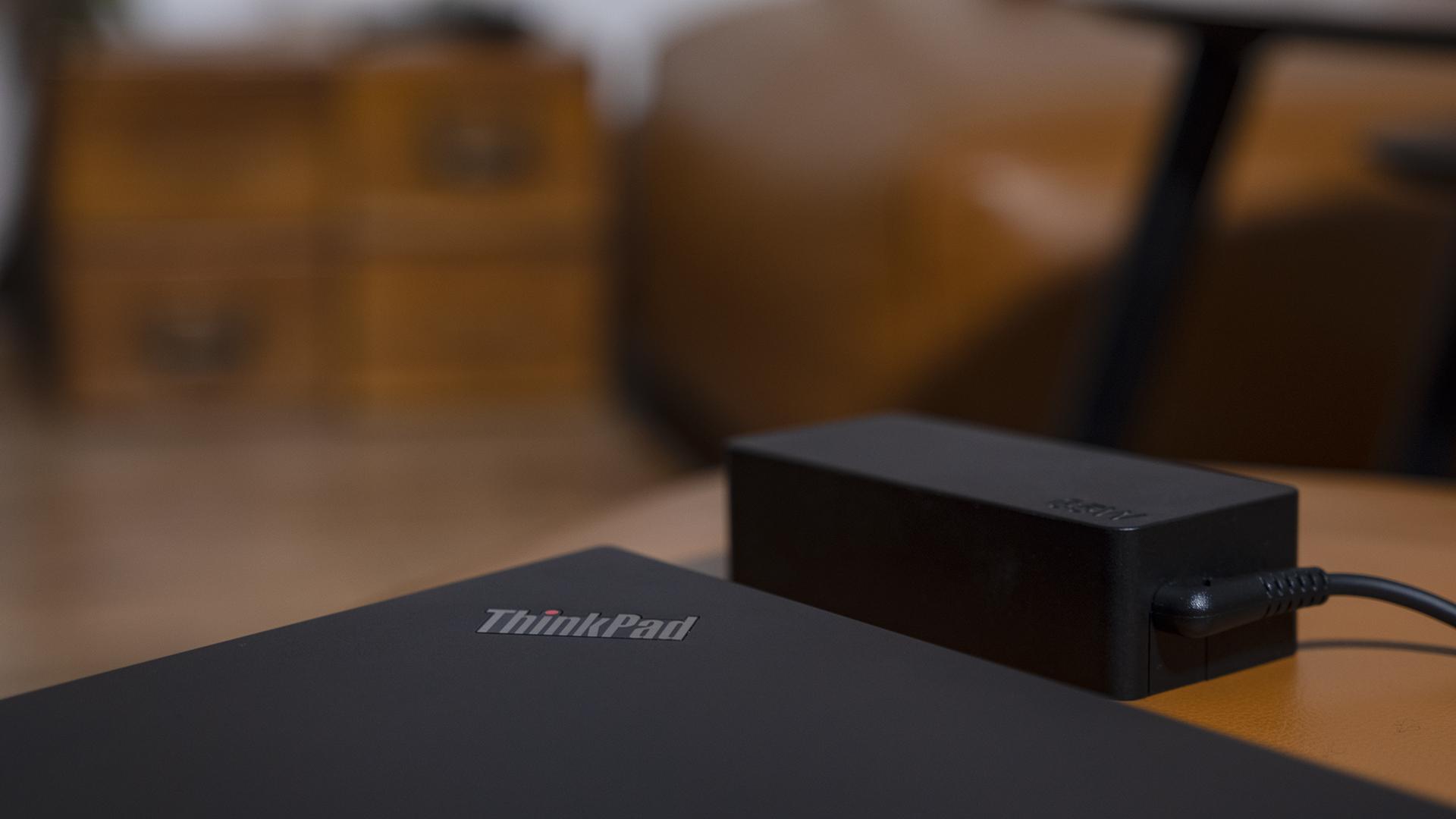 Lenovo ThinkPad L14 AMD Ladegerät