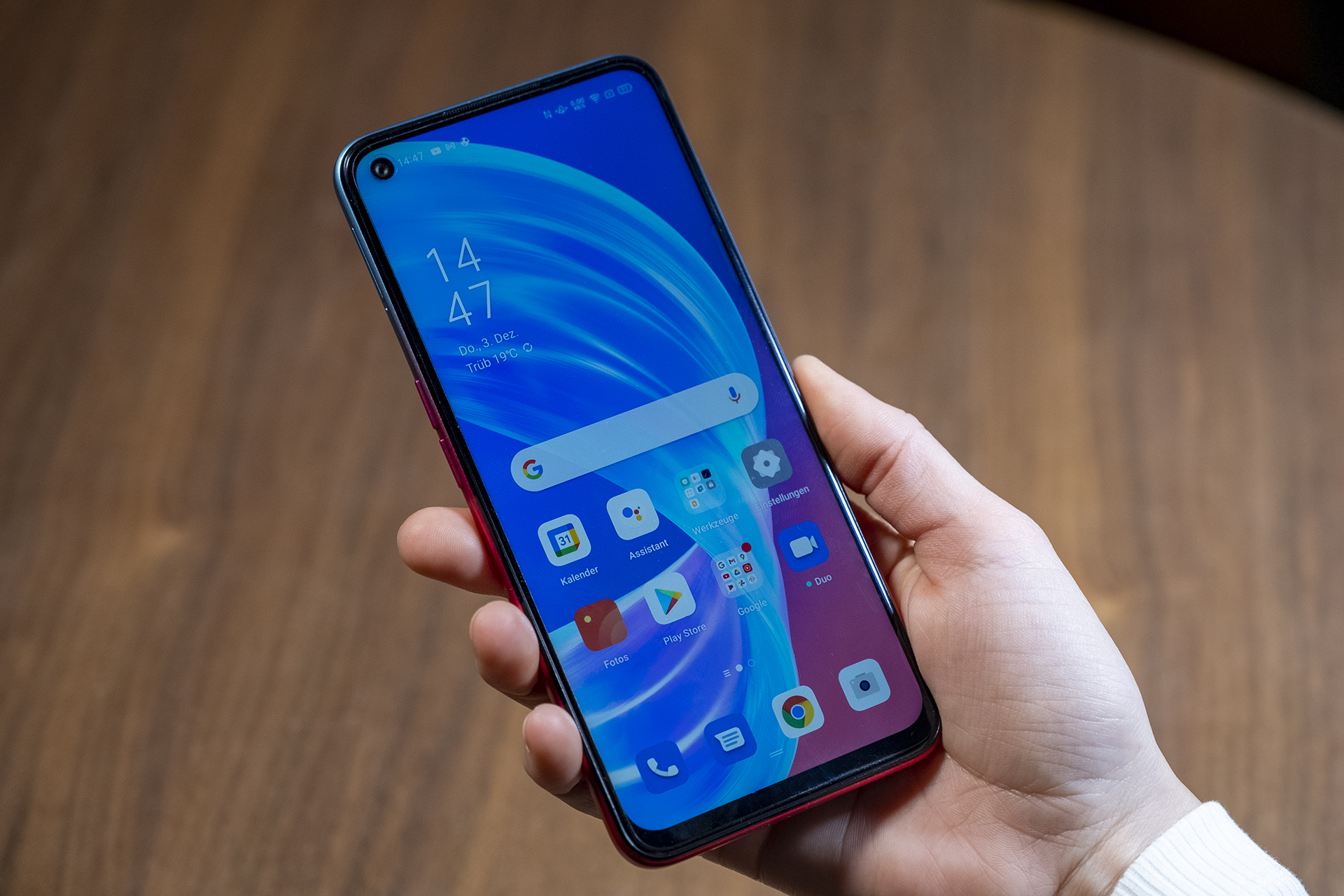 OPPO A73 5G Smartphone Review Test In der Hand