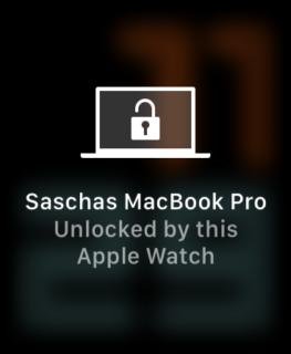 Apple Watch SE MacBook