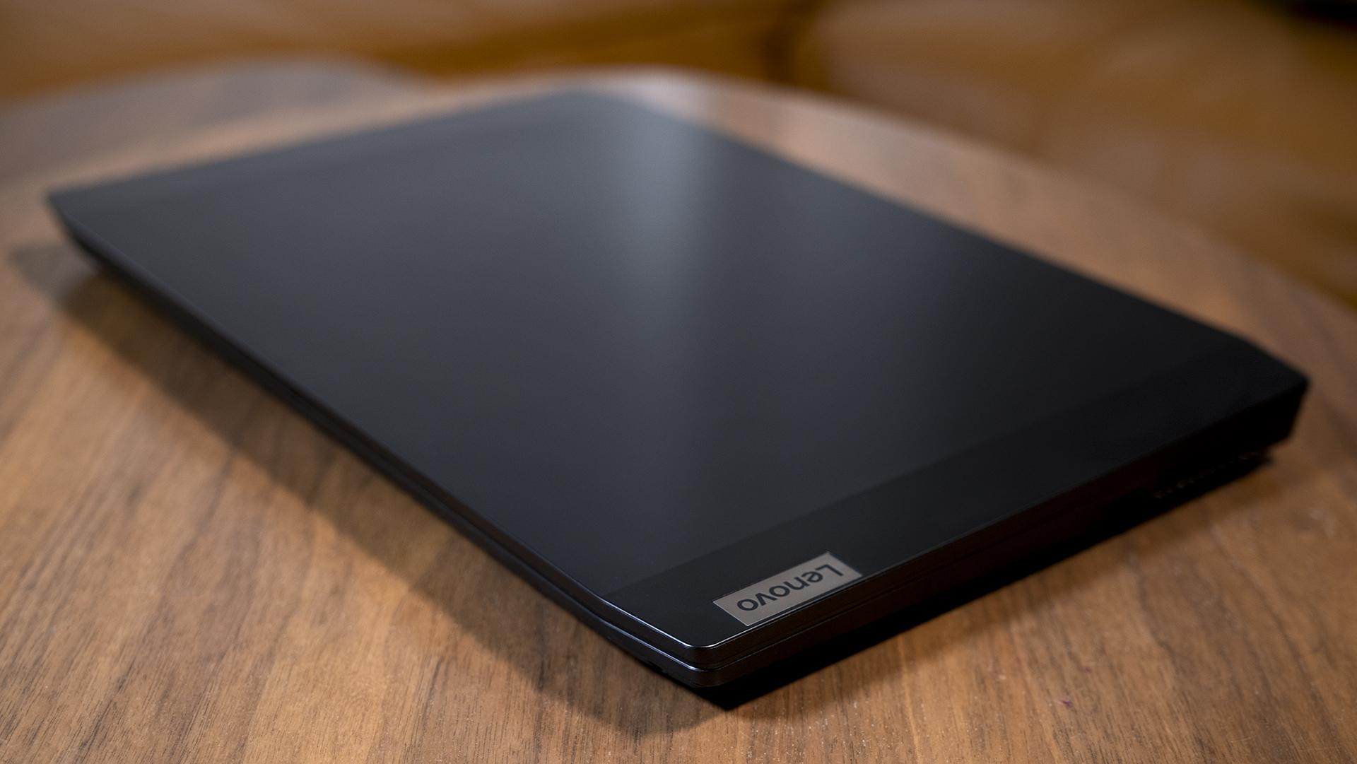 Lenovo IdeaPad Gaming 3 geschlossen