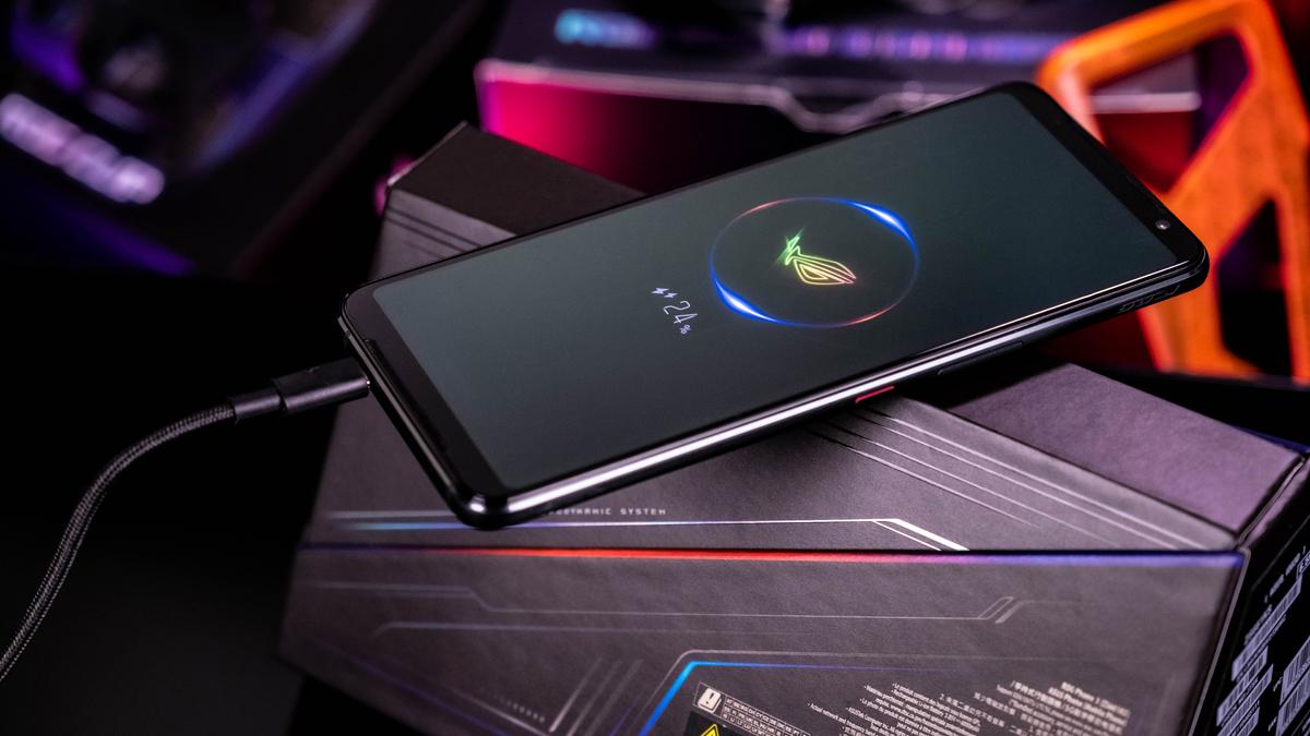 ASUS ROG Phone 3 Gaming-Smartphone Laden