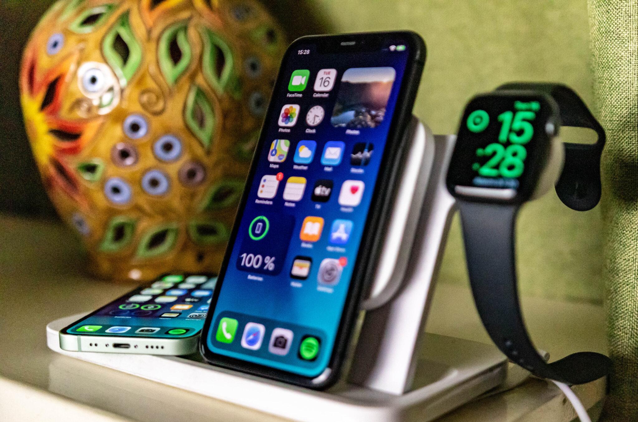 Apple iPhone 12 mini- wireless charging