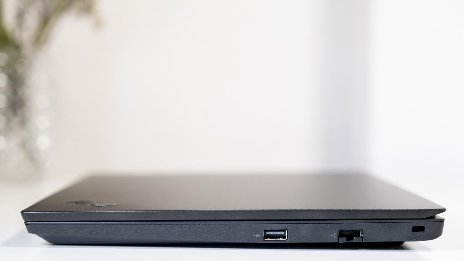 Lenovo ThinkPad E15 Anschlüsse Rechts