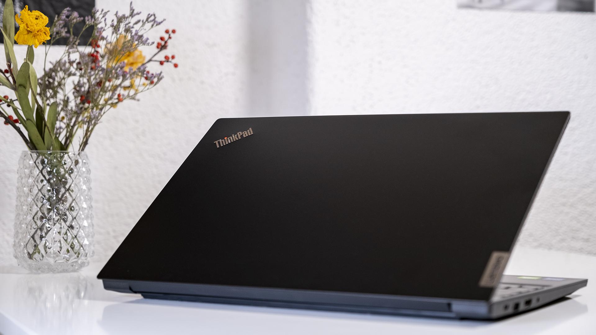 Lenovo ThinkPad E15 Deckel ThinkPad Logo