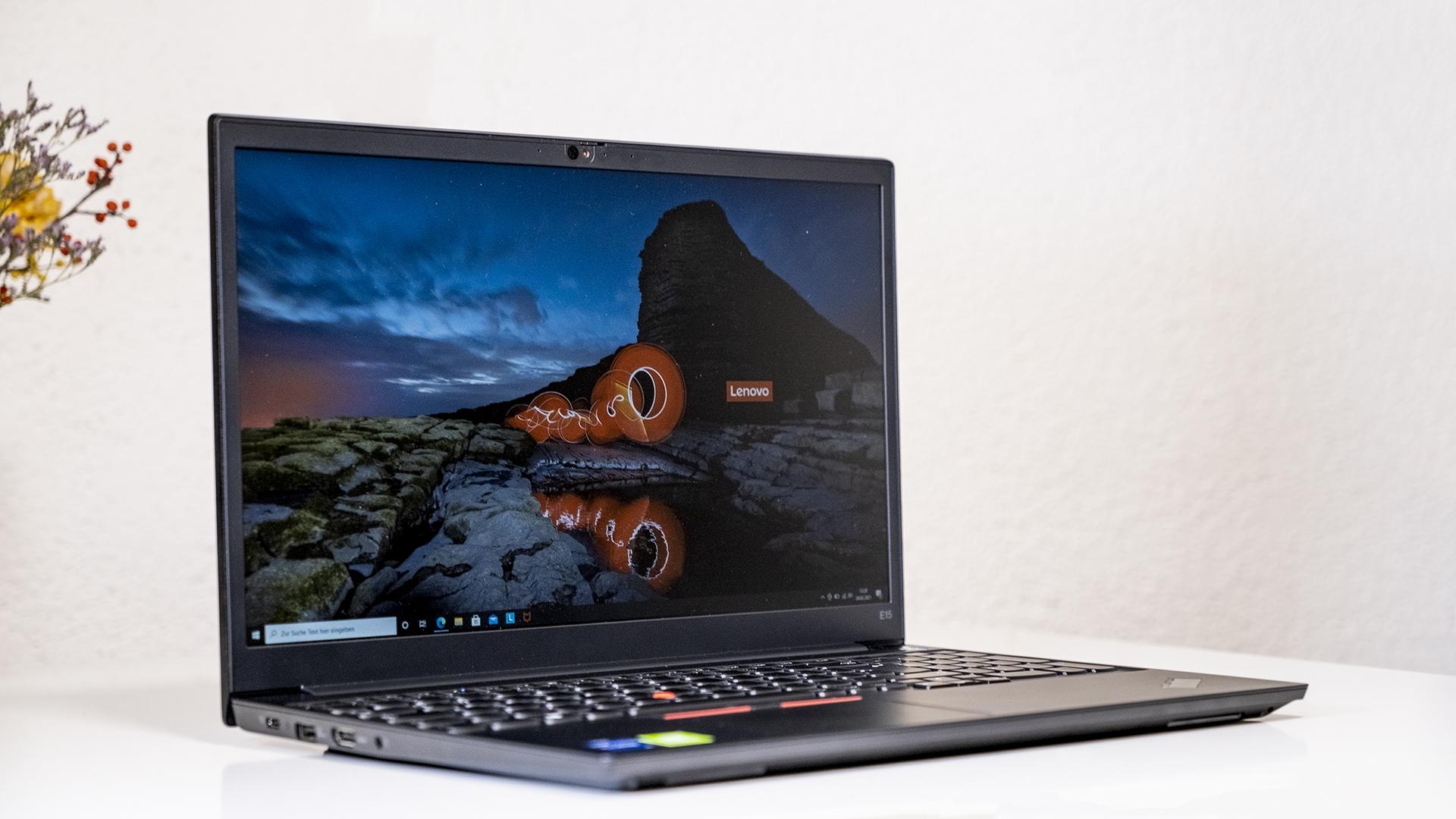 Lenovo ThinkPad E15 Frontal Schlussbild