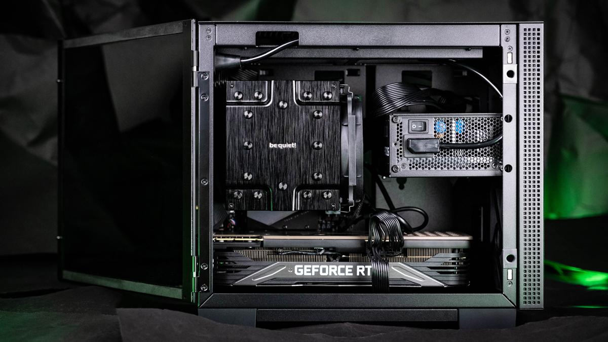 Razer Tomahawk Mini-ITX Hardware