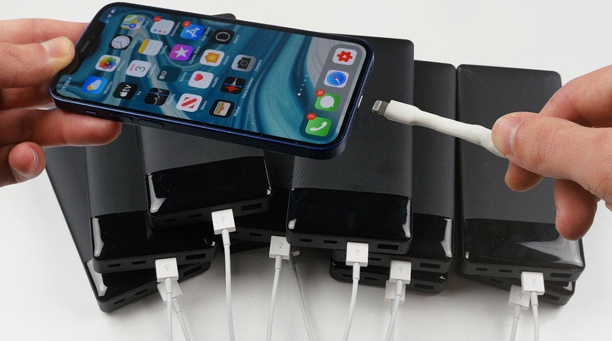 Ein iPhone 12 Pro Max mit 10 Powerbanks zugleich laden – Geht das?