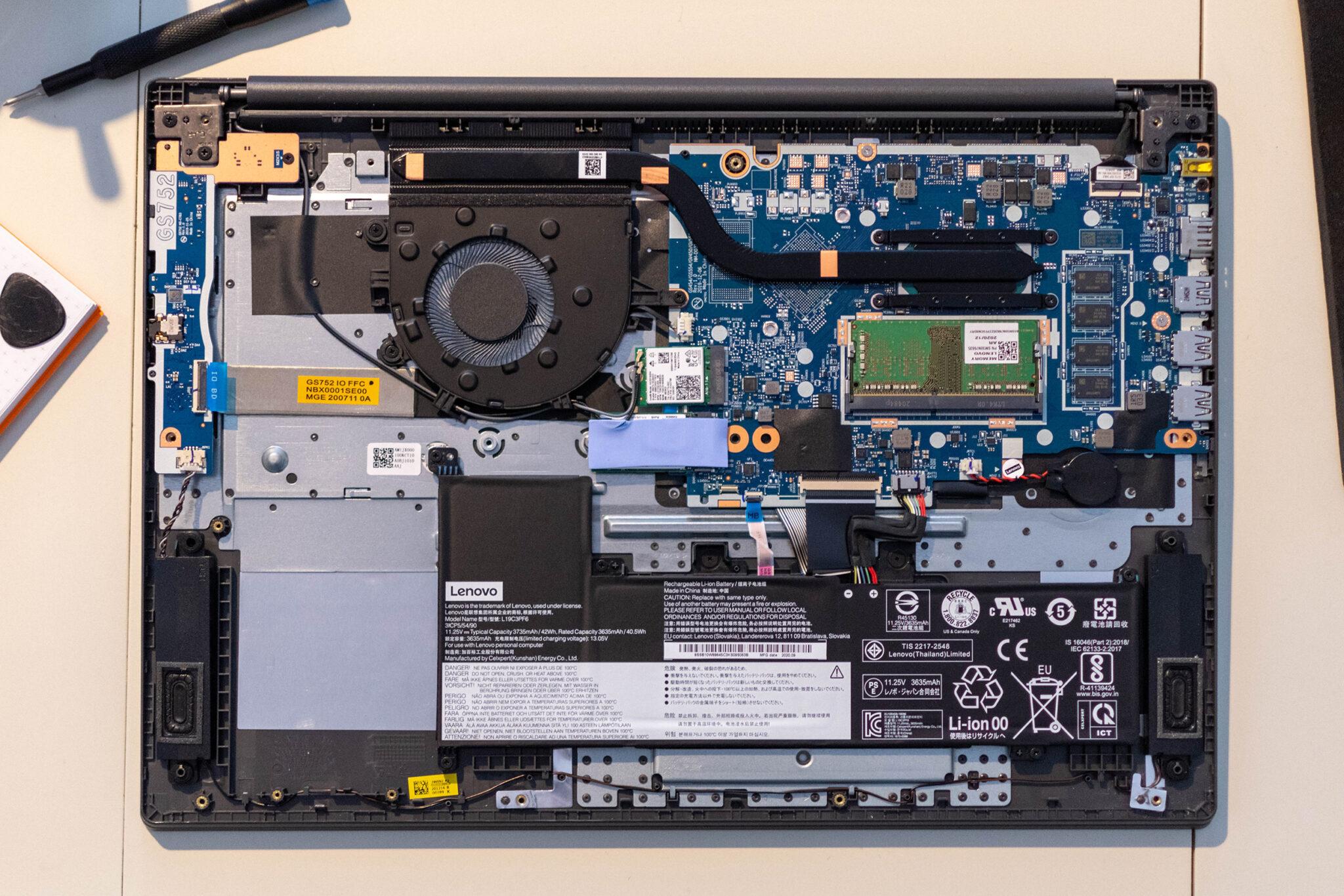 Lenovo V17 aufrüsten