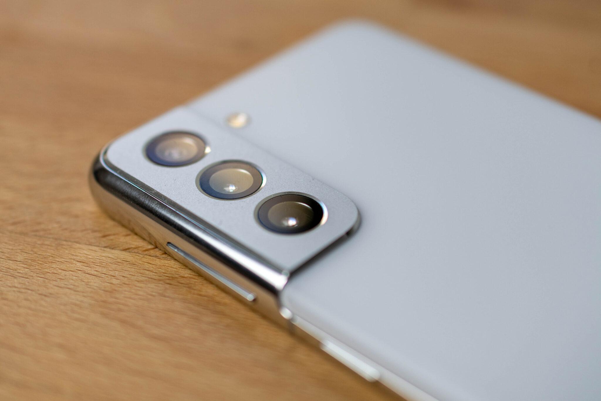 Die Triple-Kamera des Galaxy S21 verfügt leider über keinen optischen Zoom