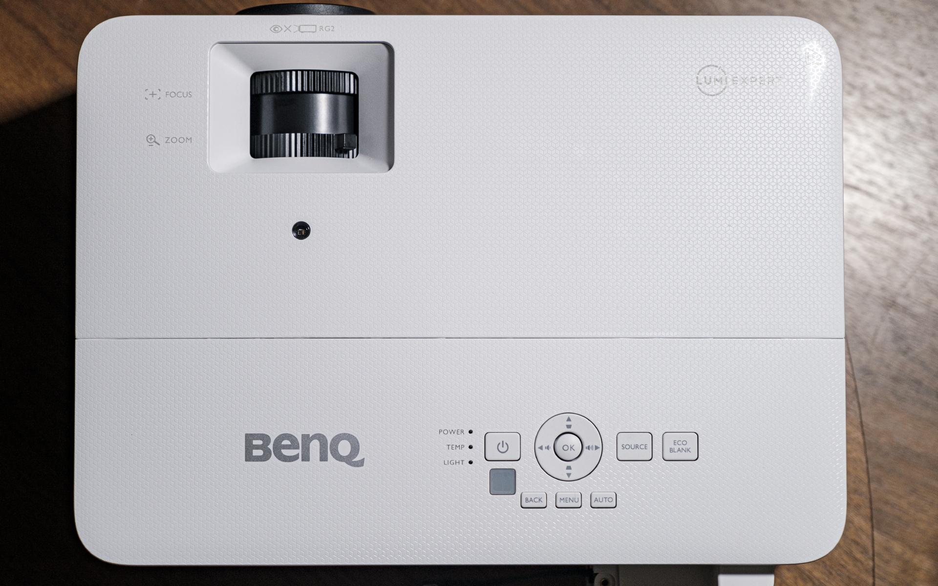 BenQ TH685i Gaming Beamer Totale oben