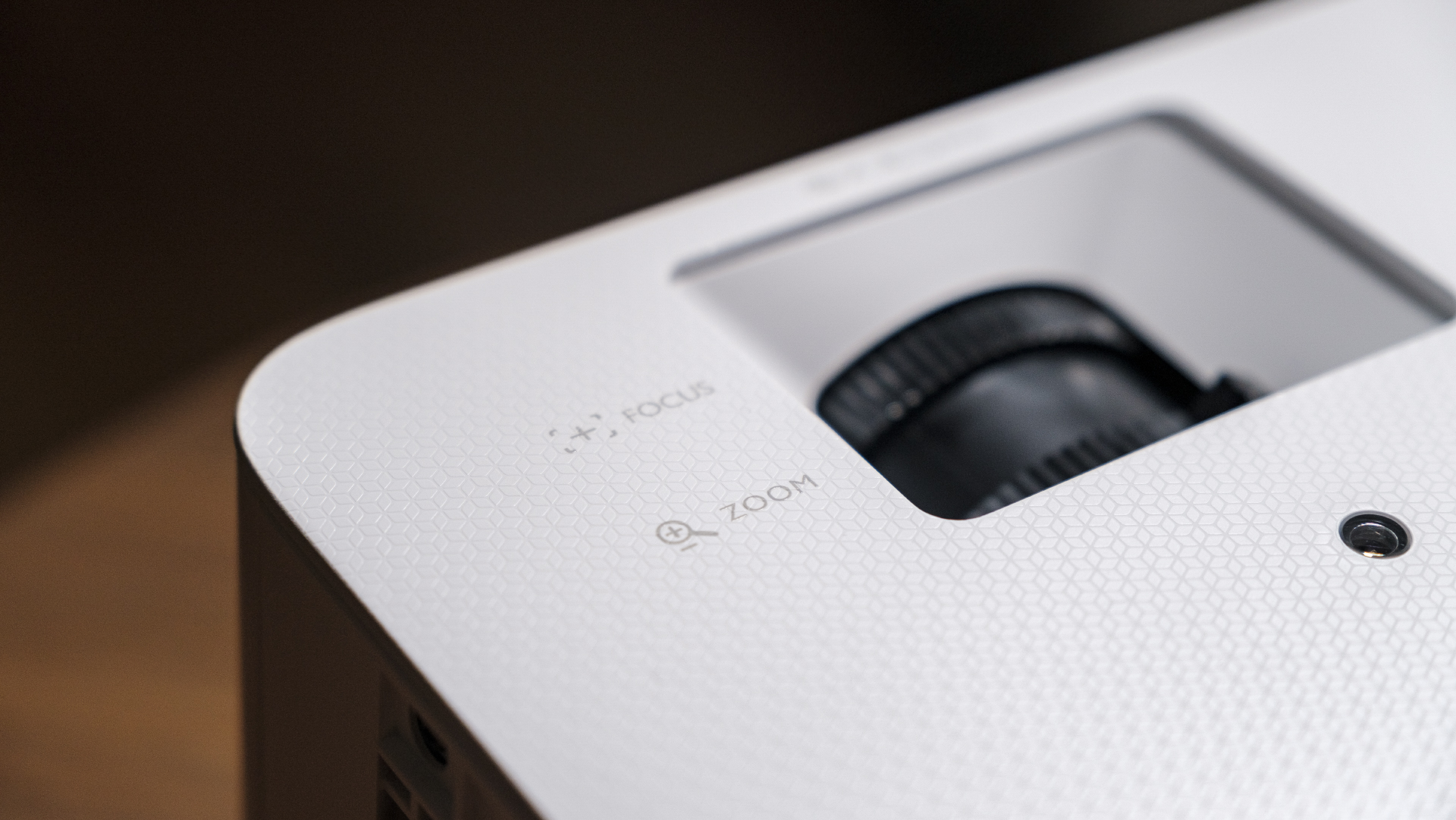 BenQ TH685i Gaming Beamer Zoom Focus Close Up
