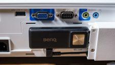 BenQ TH685i HDMI Android TV BenQ QS01 Smart Stick montiert