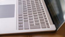 Microsoft Surface Laptop 4 13 5 Intel Sandstein Tasten Close Up