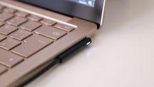 Microsoft Surface Laptop 4 Ladegerät angeschlossen