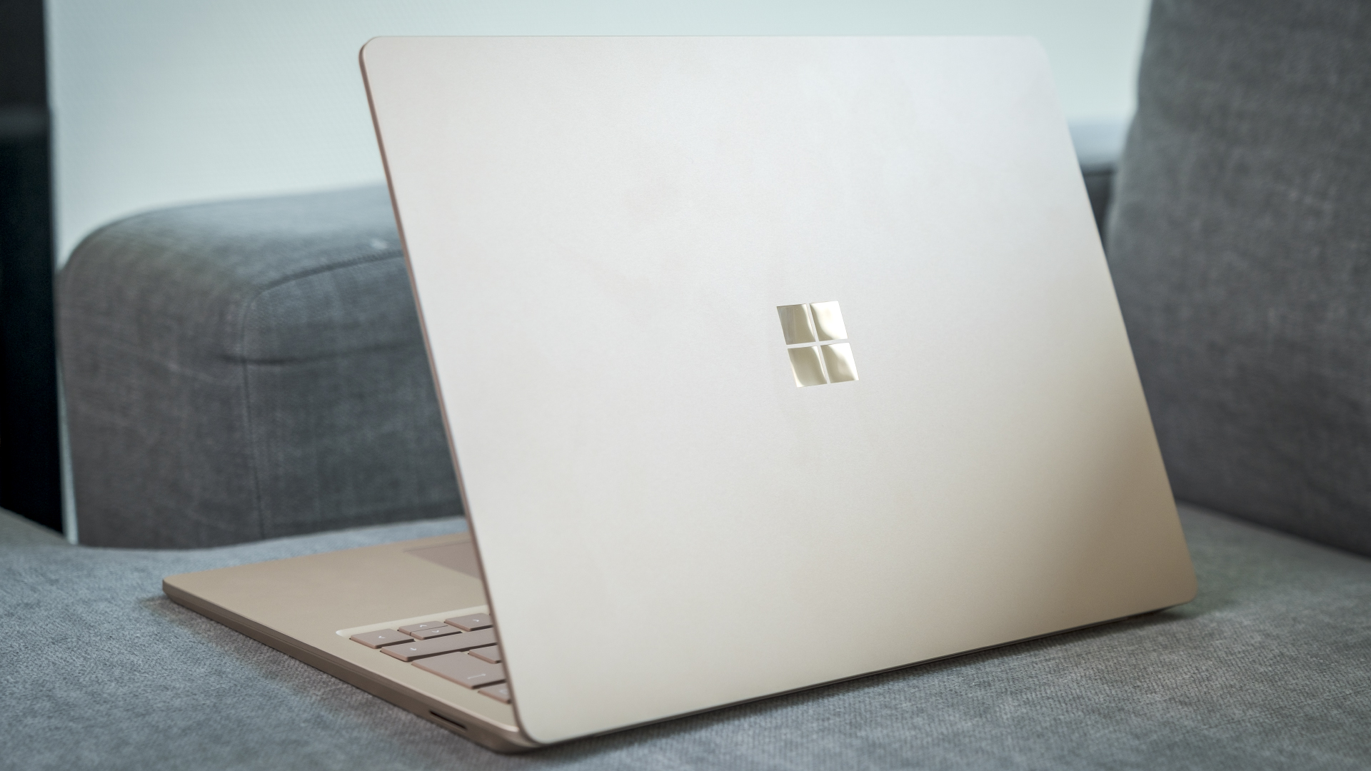 Microsoft Surface Laptop 4 Rückseite