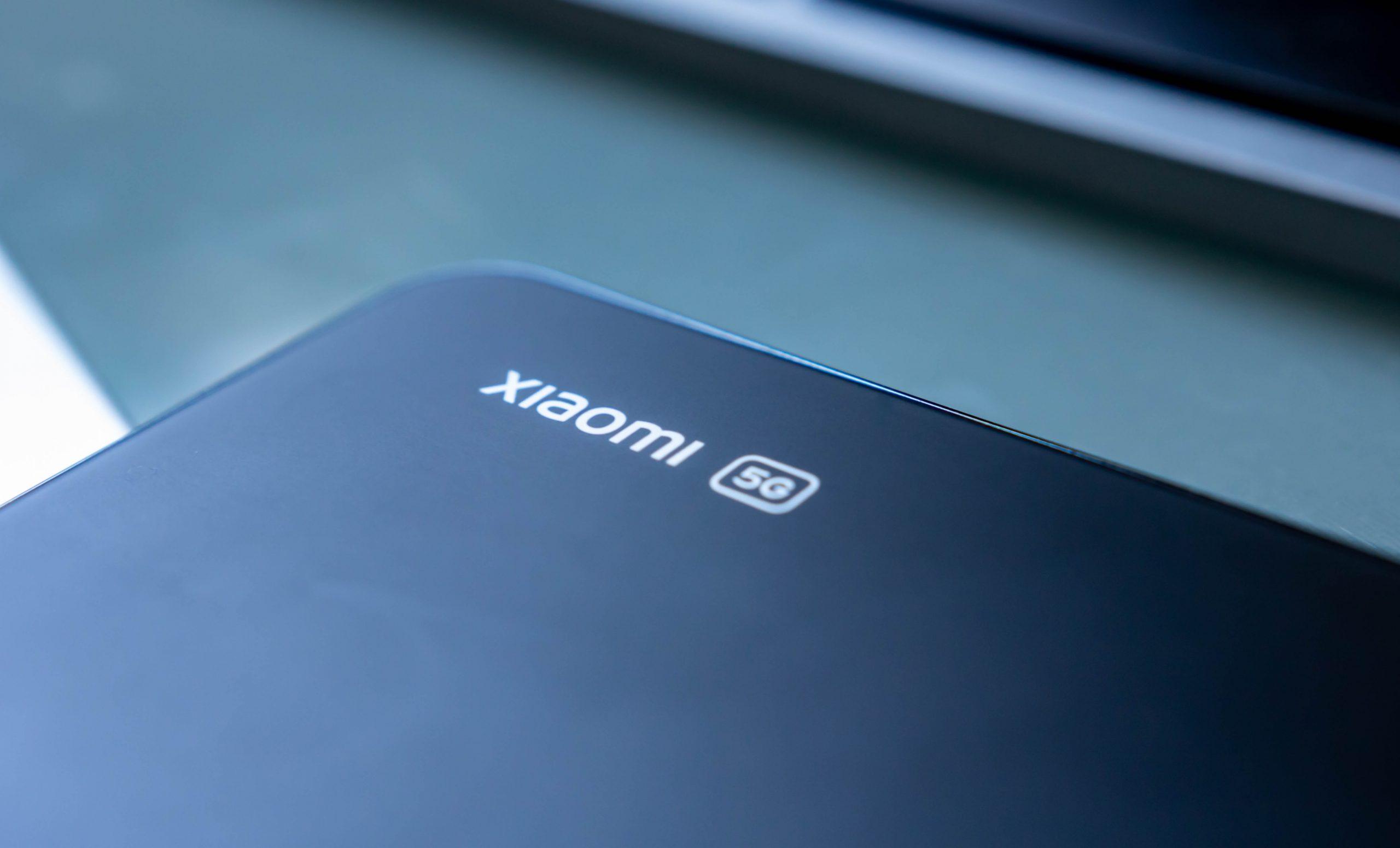 Xiaomi Mi 11 Lite 5G Review - Logo