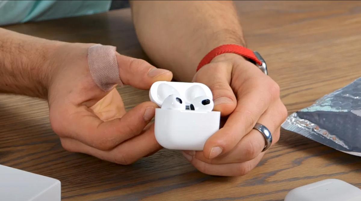 Video: AirPods-3-Kopie im Vergleich mit Apple AirPods (Pro)