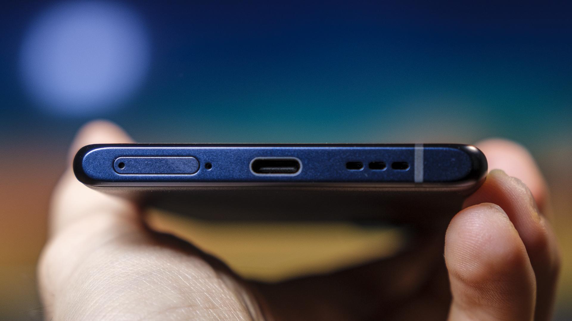 OPPO Find X3 Neo 5G 65 USB-C Lautsprecher Unterseite