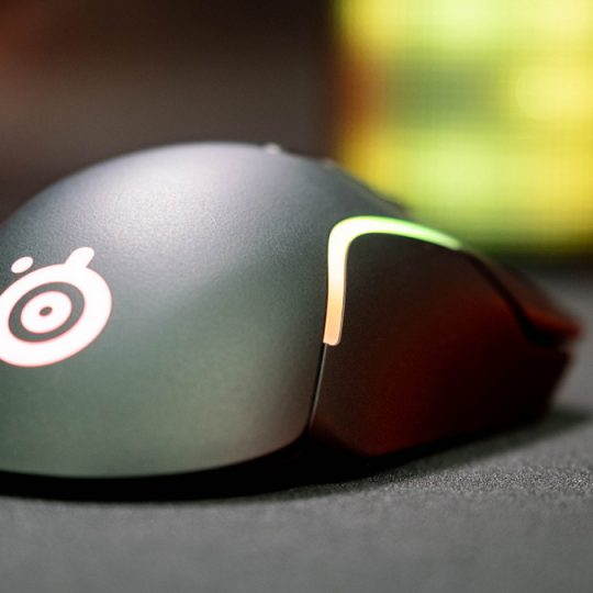 SteelSeries-Rival-5-Gaming-Maus-Test-8