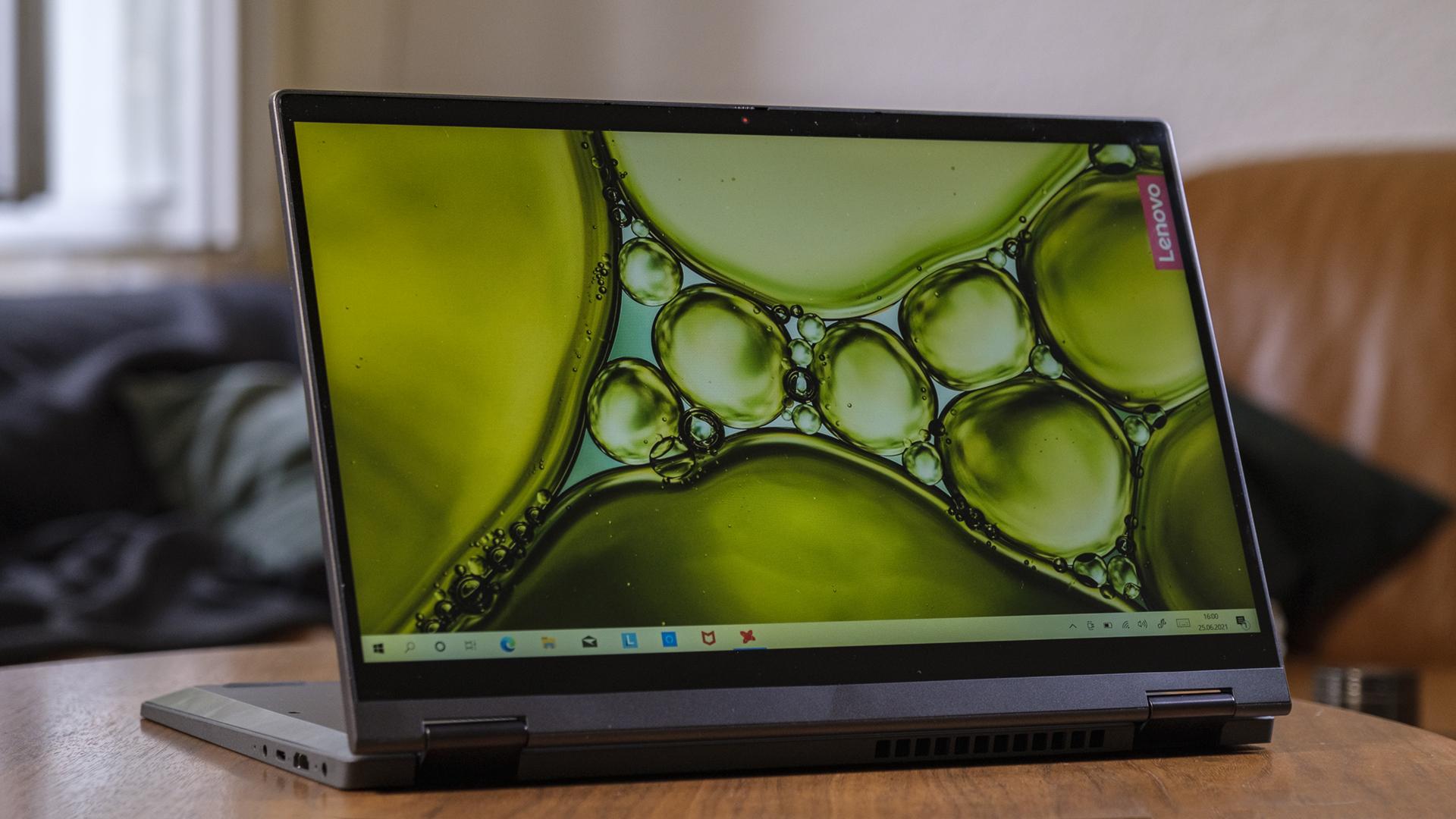 Lenovo IdeaPad Flex 5 AMD Ryzen 5700U Display