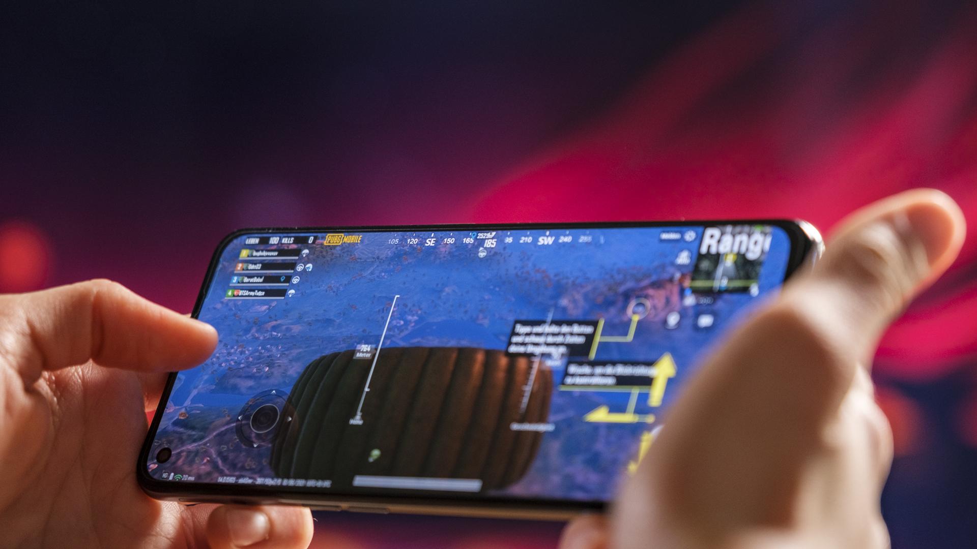 Realme GT 5G Gaming 5G PUBG Fortnite Cod 2