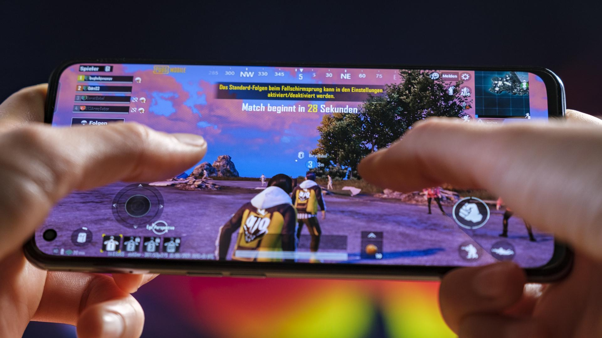 Realme GT 5G PUBG Gaming 5G Fortnite Cod 2