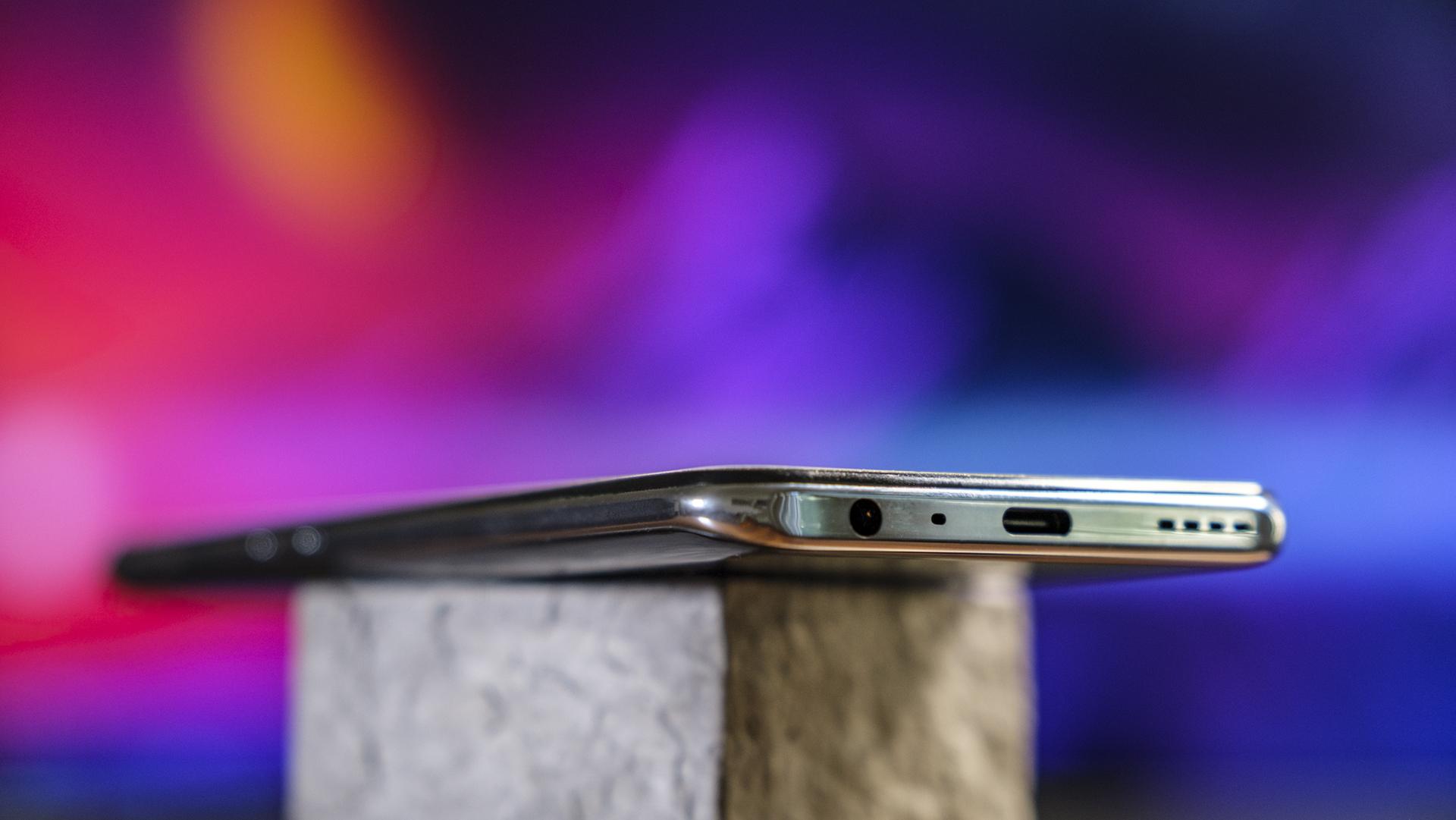 Realme GT 5G Unterseite Klinke Seite Power-Button