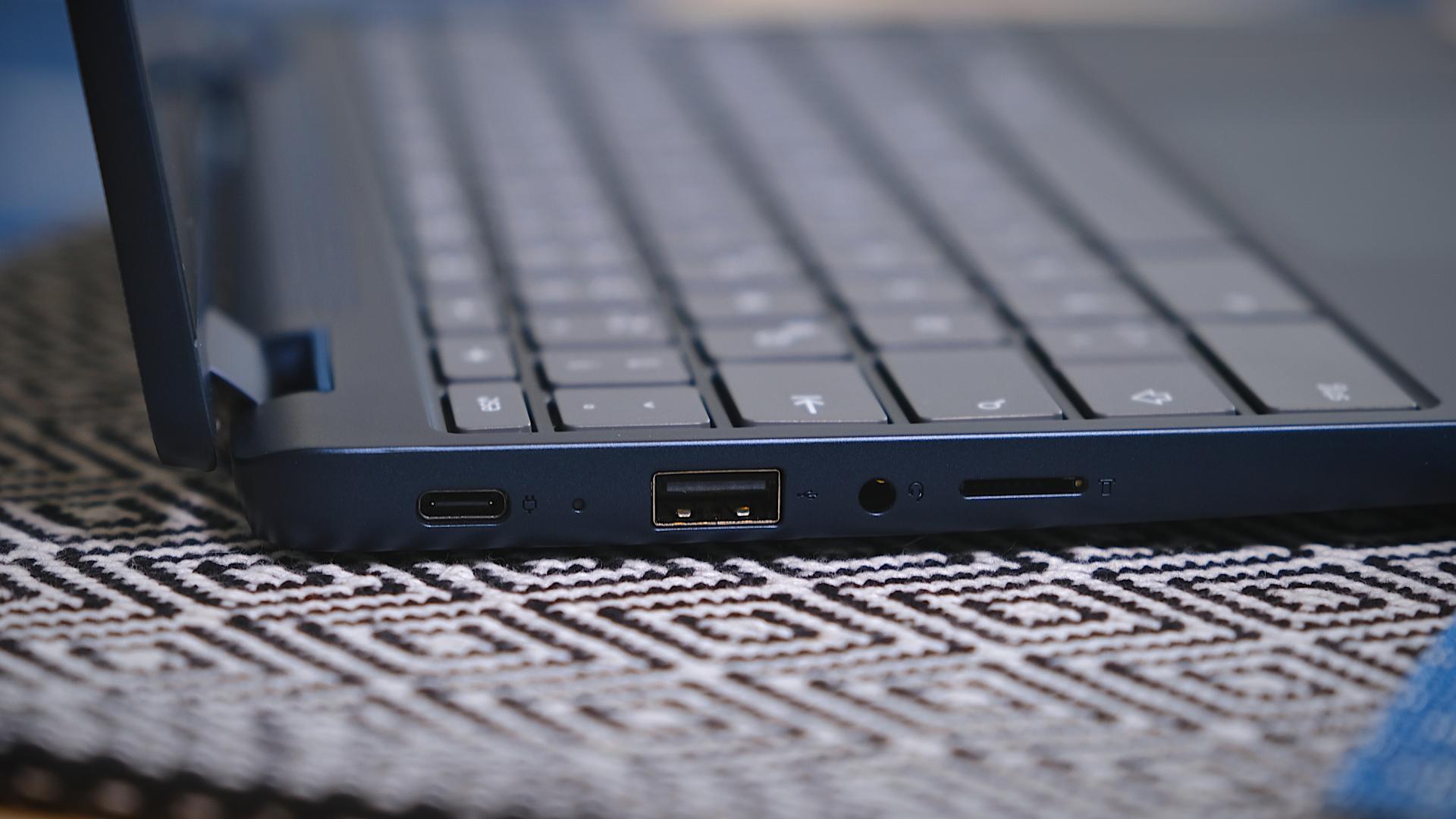 Flex 3 Chromebook ports